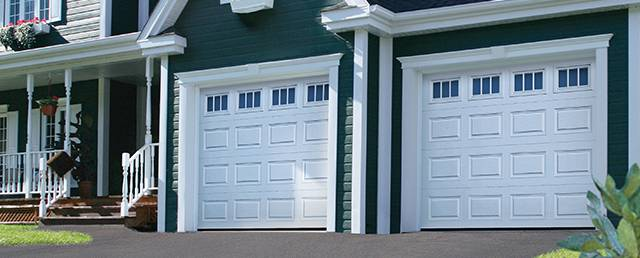 Classic CC, 9u0027 X 7u0027, Ice White, Windows With Richmond Inserts